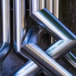 Compramos sucatas e resíduos de aço inoxidável de qualquer grau de pureza